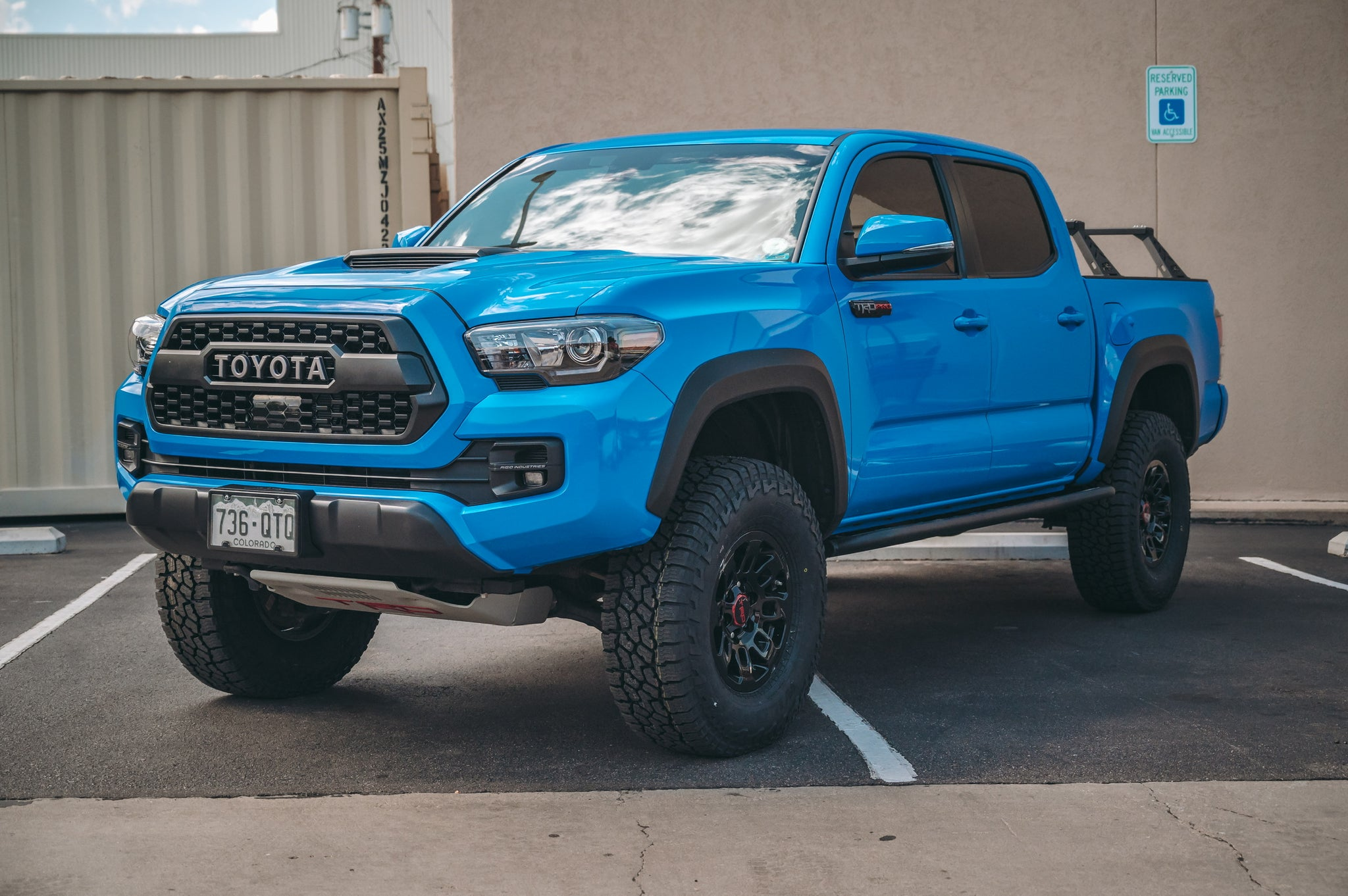 2016+ Toyota Tacoma Angled Sliders With Top Plate