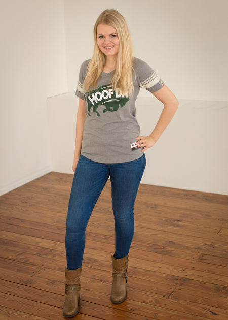 HOOFDA® Women's Oh So Soft V-Neck Bison Tee