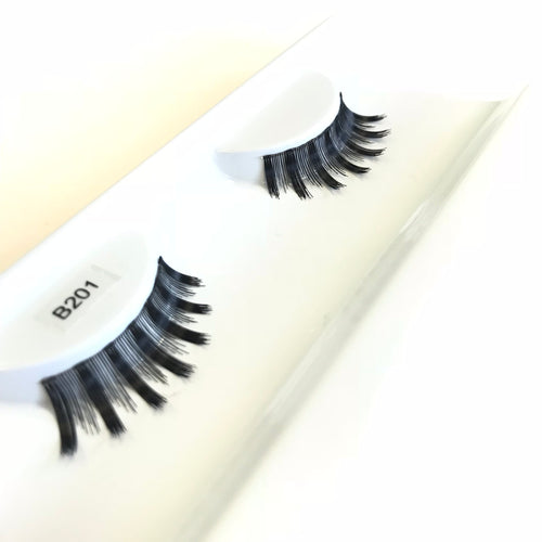Spiky false eyelashes
