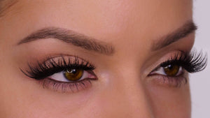 M111 Multi-Layered False Lashes