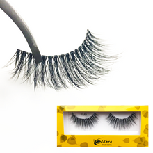 Feathered faux mink lash