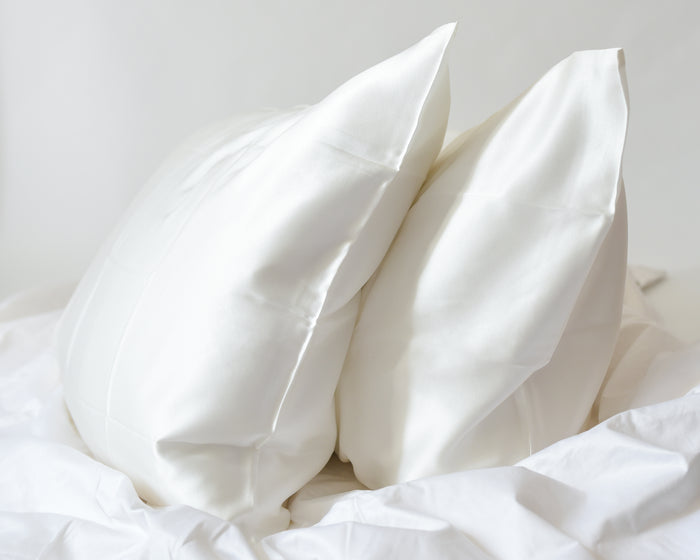 PAIR OF SILK PILLOWCASES - Peony Box