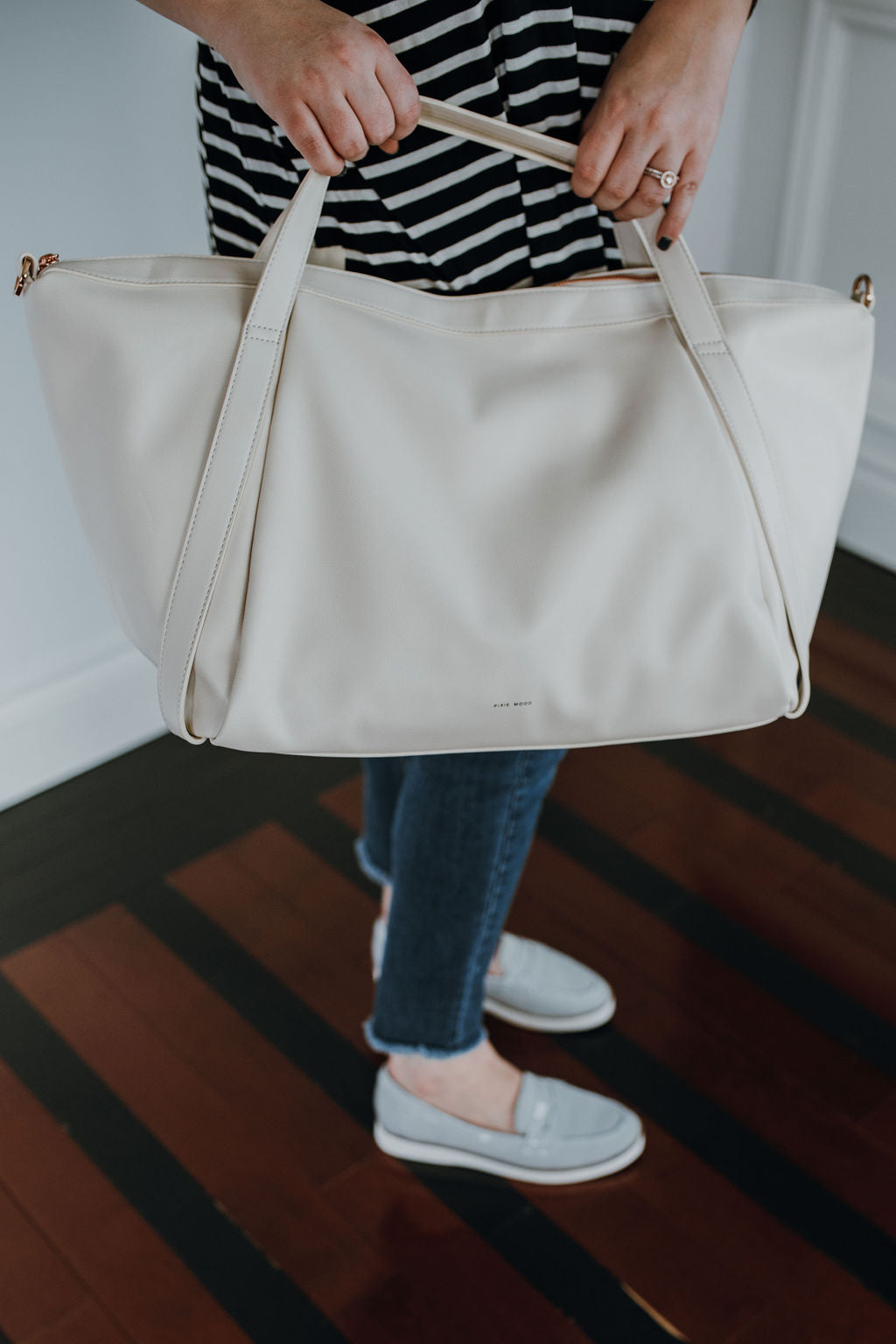 Sac de weekend Pixie mood en cuir vegan canadien crème et rose gold