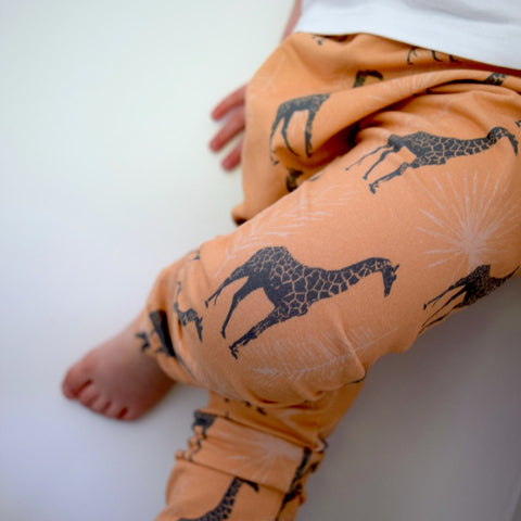 Leggings - Blush Giraffes 1 | KJF Clothing