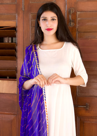 A Beautiful White Kurta Set With Blue Lehariya Shaded Dupatta