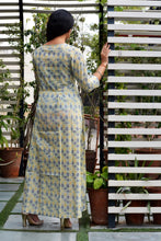 Load image into Gallery viewer, Green Blue block maxi dress - Thread & Button