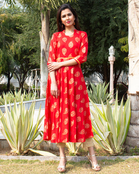 Beautiful Red Printed Kurti & Pant Set