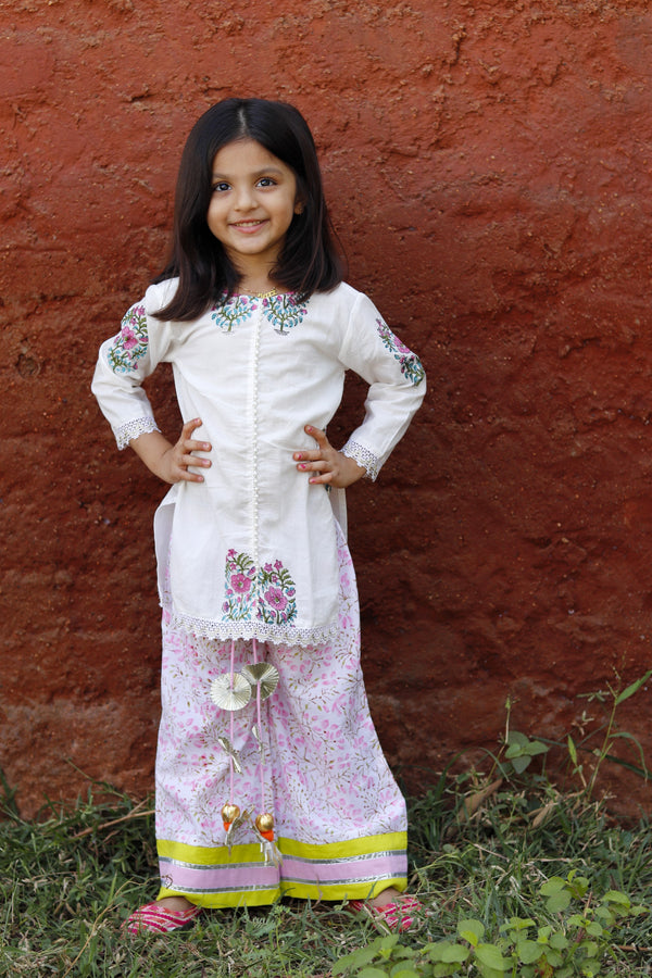 Pink butta white kurta set