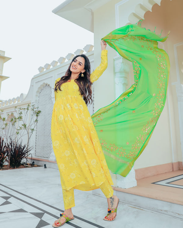 Bumblebee Yellow suit set with gotta work dupatta