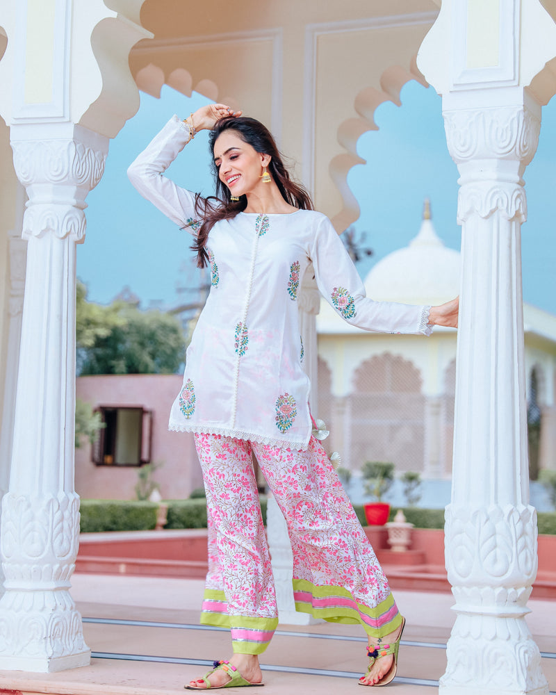 White short kurta set with hand block print