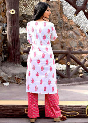 Exclusive white block printed suit set