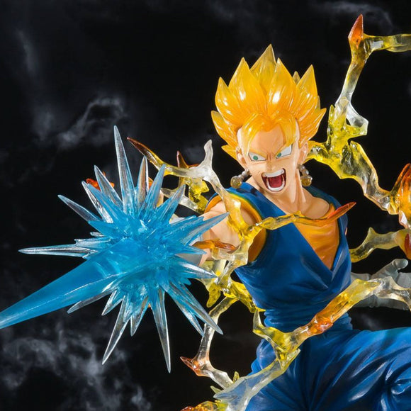 Dragon Ball Z Super Saiyan Vegetto Figuarts Zero Statue by Bandai - front closed up shot
