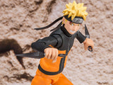 Naruto Shippuden Naruto Uzumaki Sage Mode S.H.Figuarts Action Figure by Bandai - front attack pose closed up shot