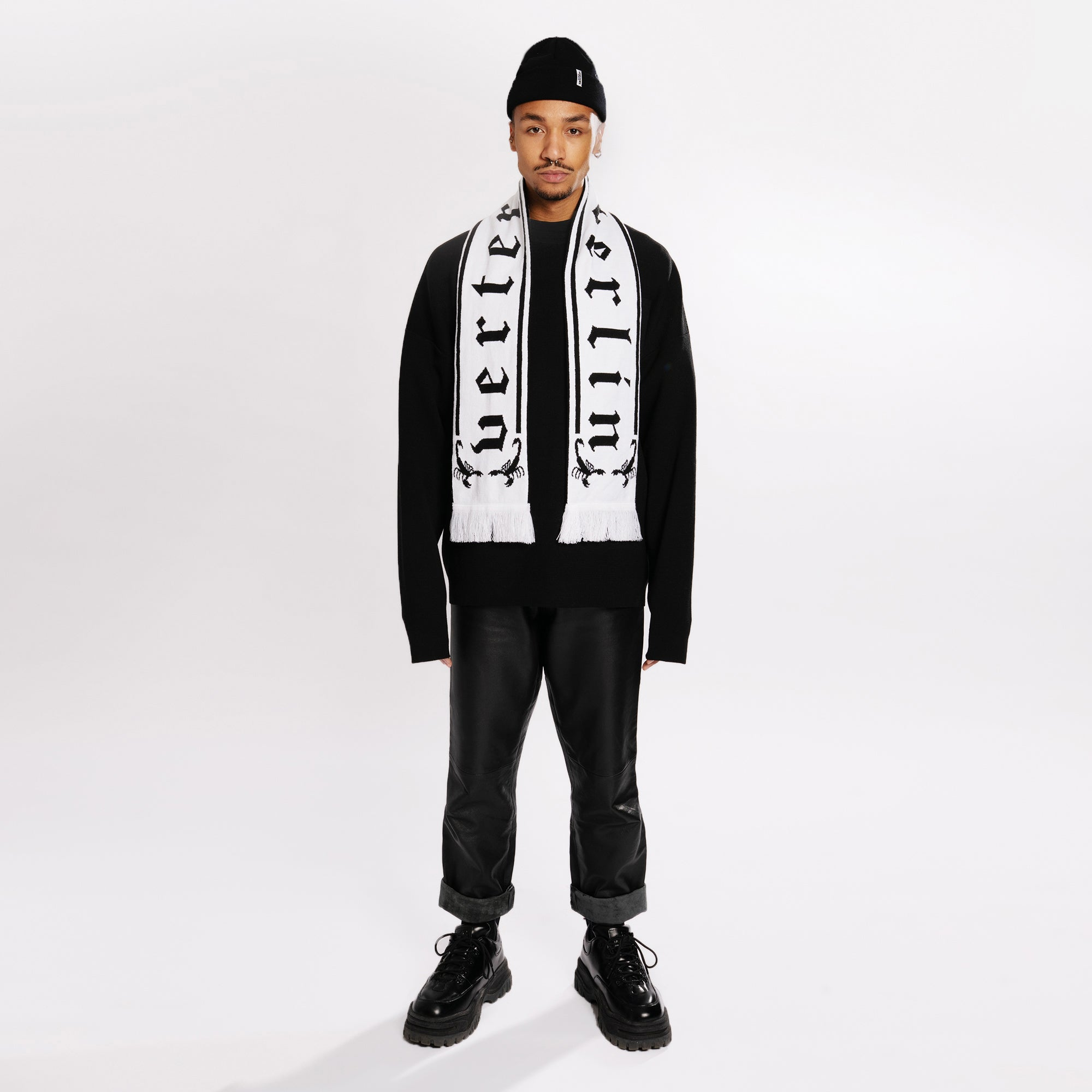 SCORPION SCARF - BLACK/WHITE