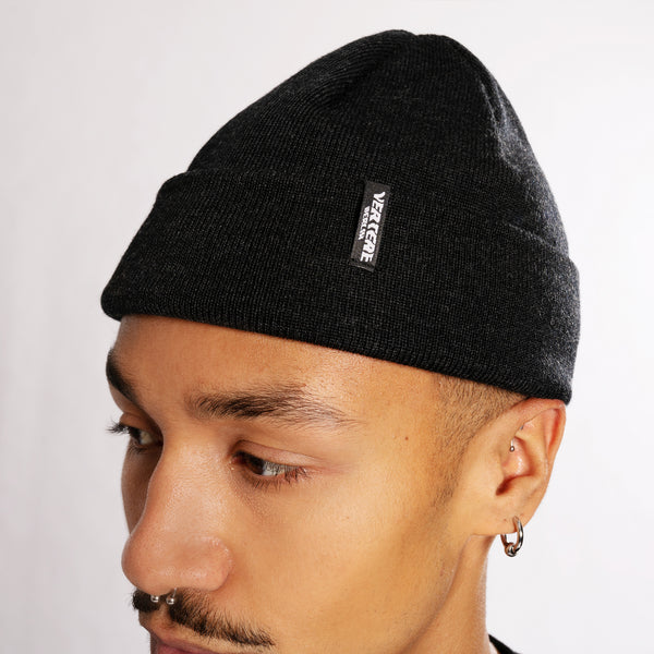 SHORT MERINO BEANIE CITY - ANTHRACITE