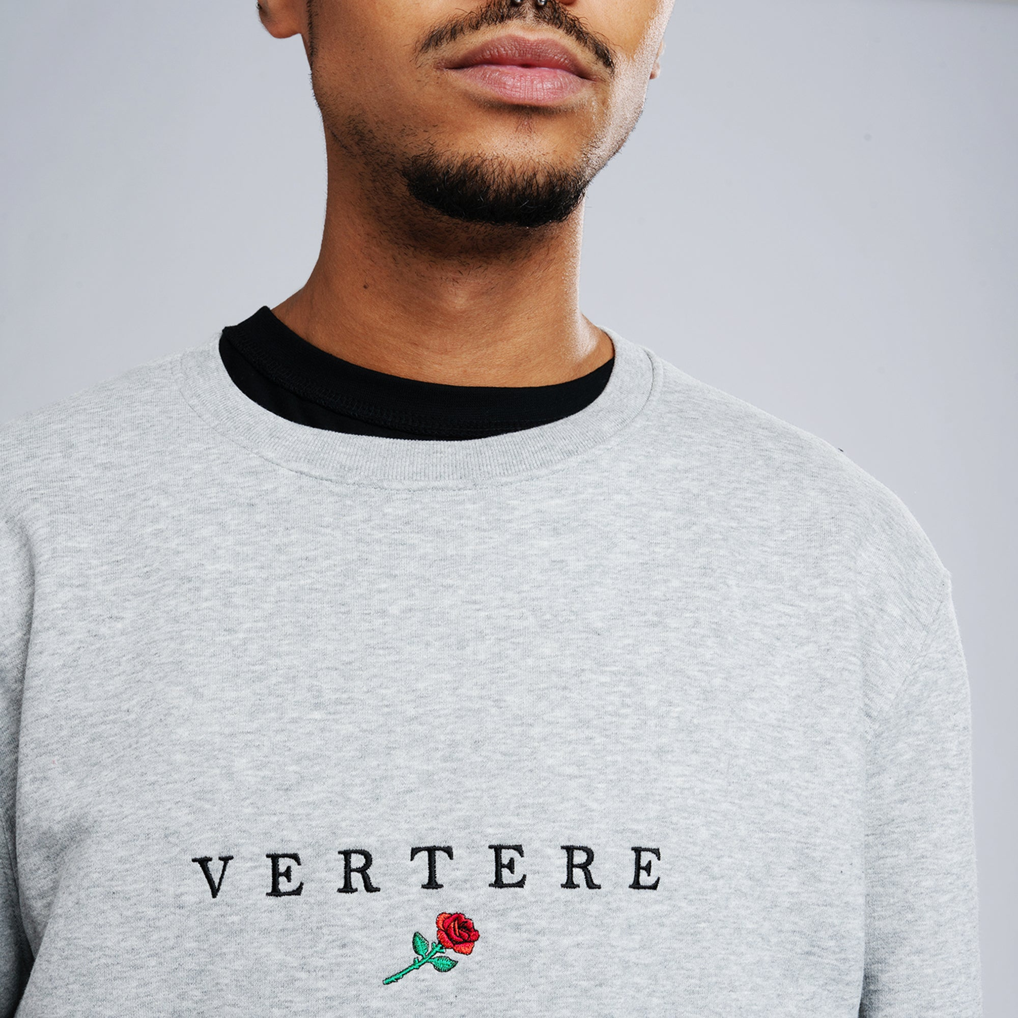 VERTERE ROSE SWEATER - LIGHT-GREY