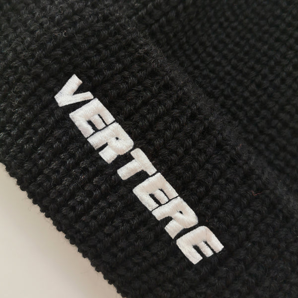 SHORT WOOL BEANIE VERTERE - BLACK