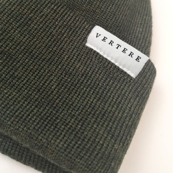SHORT MERINO BEANIE - DARK-GREEN