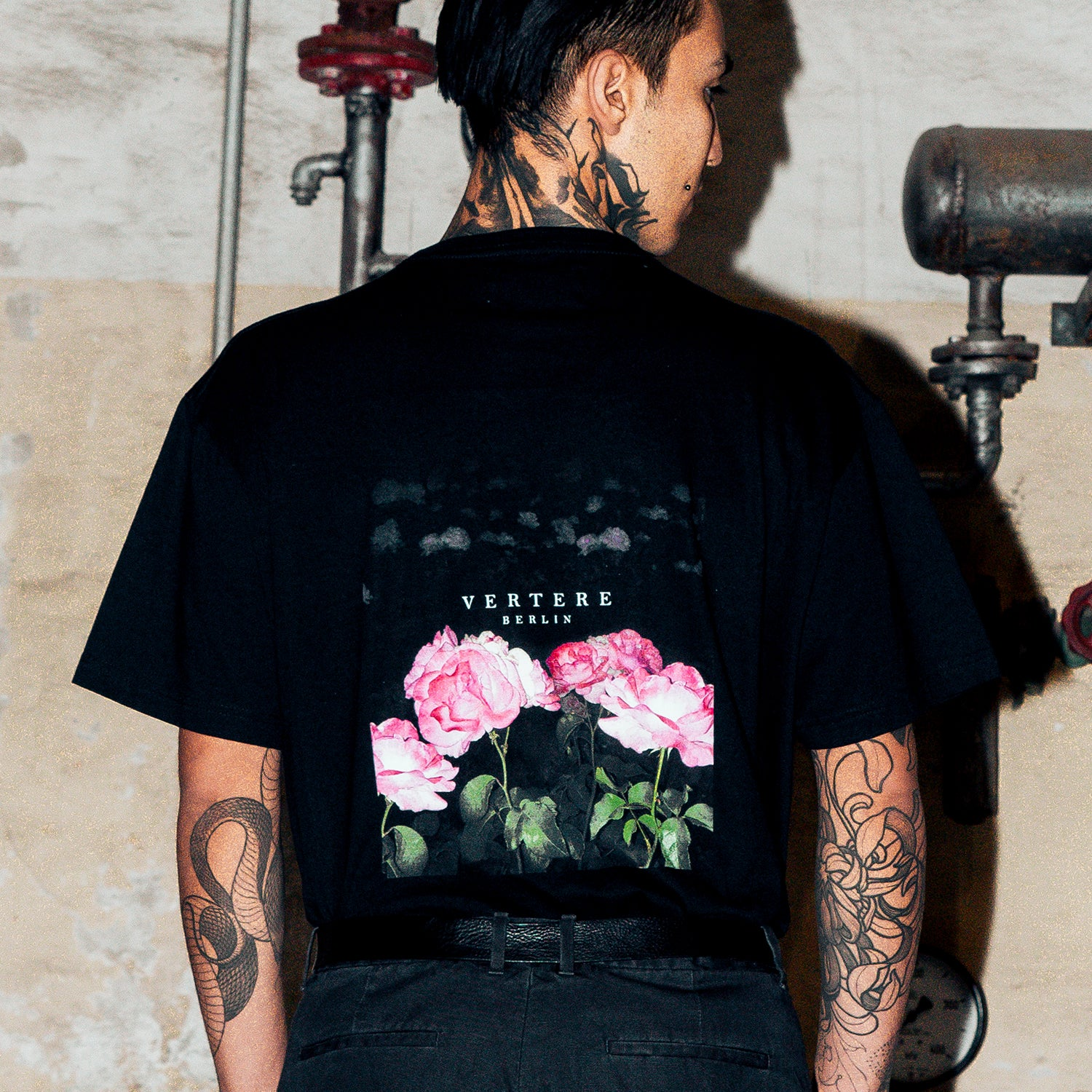VINTAGE ROSE 2 T-SHIRT - BLACK