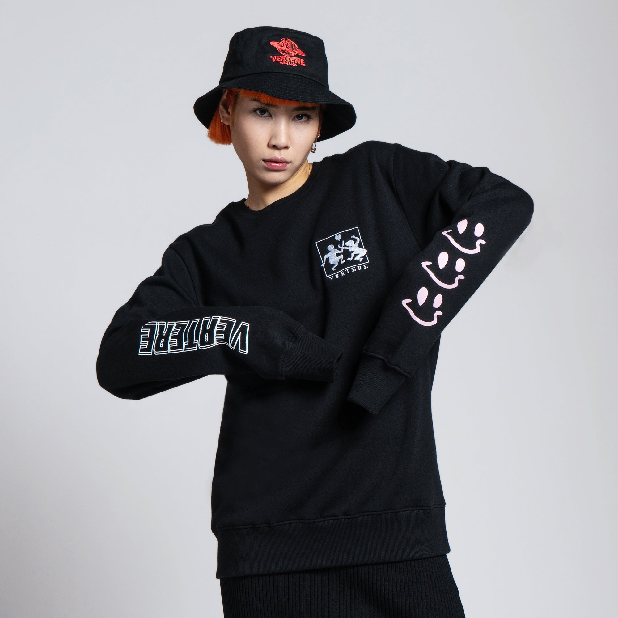 HEALTHY MIND SWEATER - BLACK