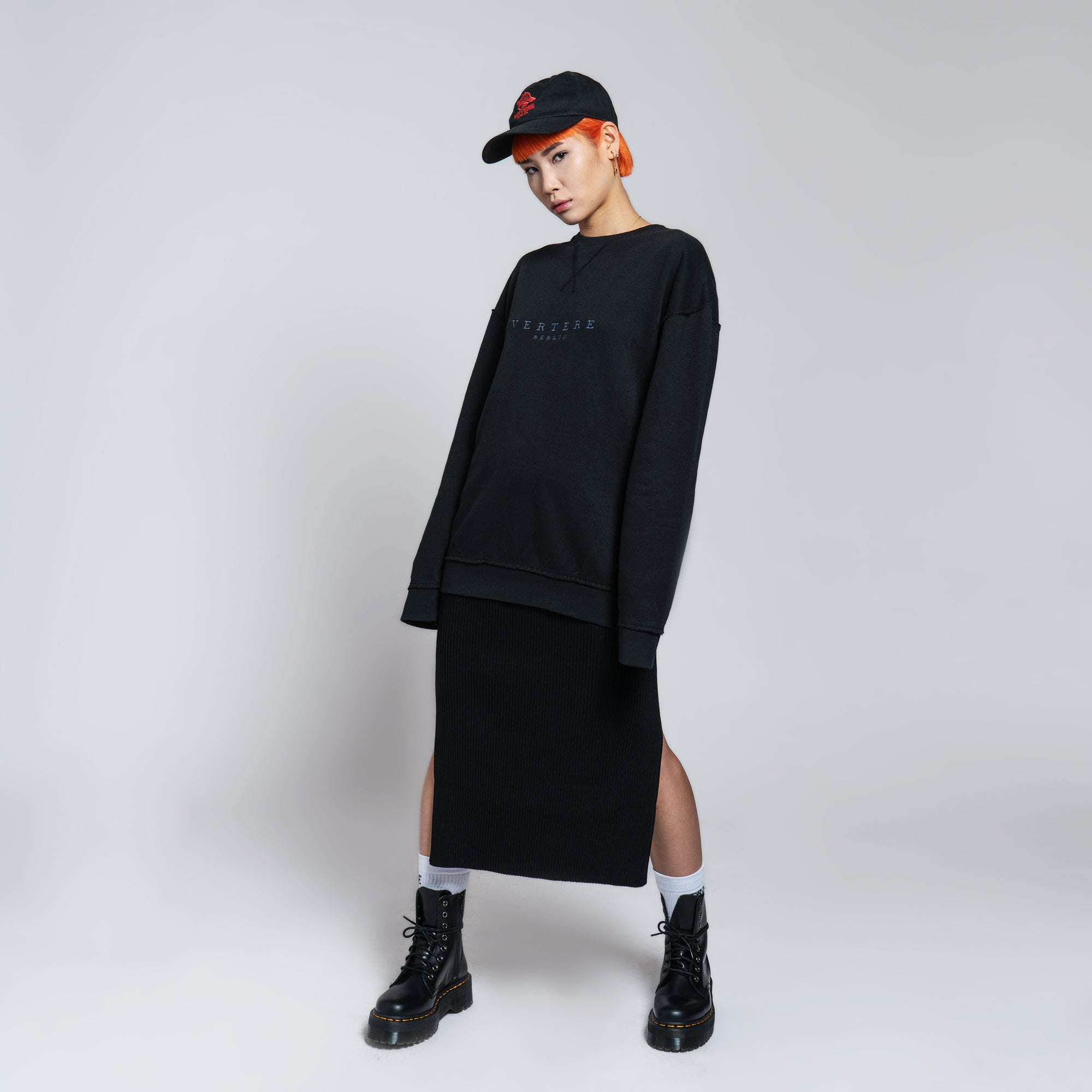 MONOCHROME SWEATER OVERSIZE - BLACK