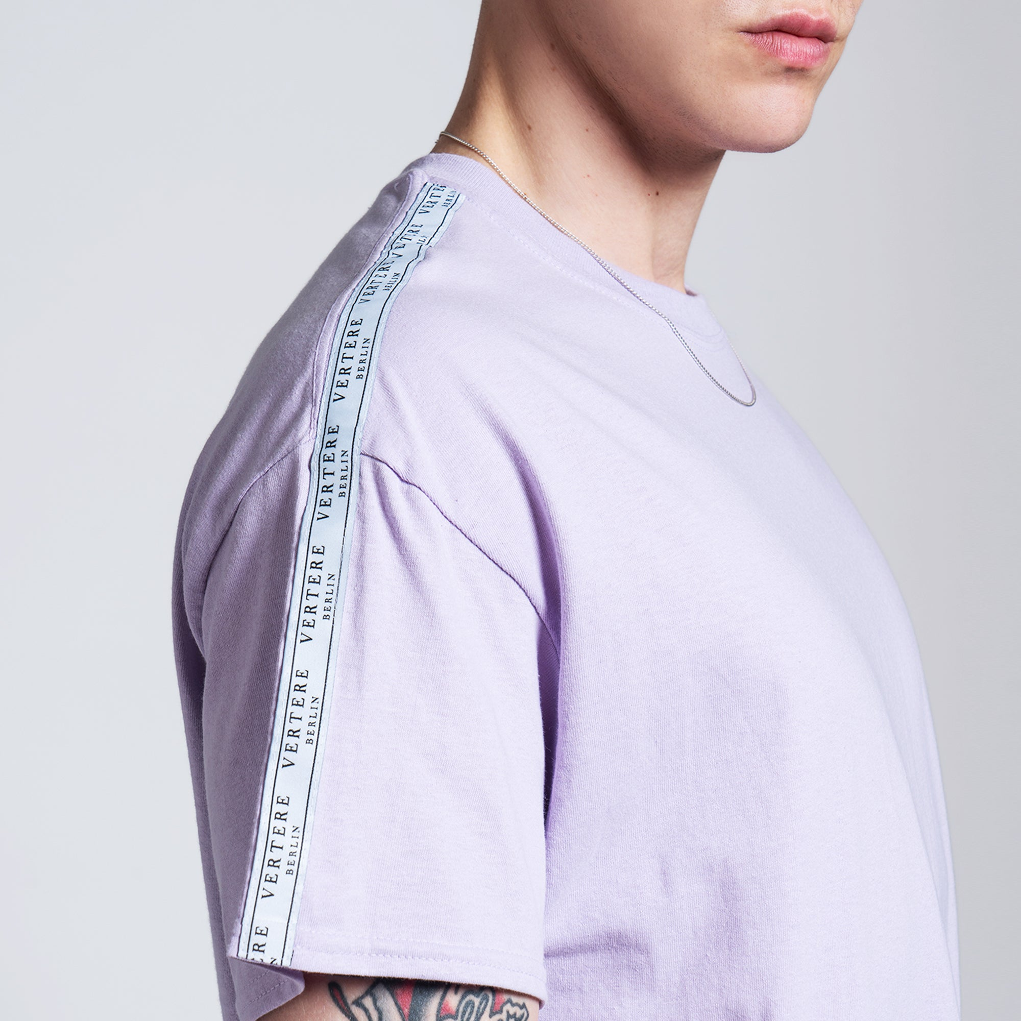 TAPE T-SHIRT - LIGHT-PURPLE
