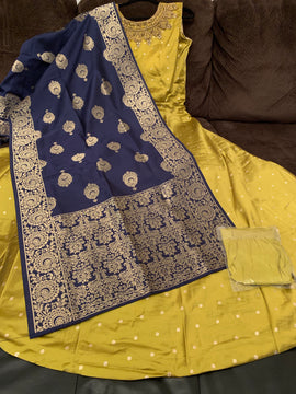 Mehandi green color dress with navy blue color Banaras Dupatta and Lycra Legging