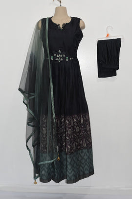 Beautiful long frock 3 piece dress with Netted Dupatta and Lycra Legging
