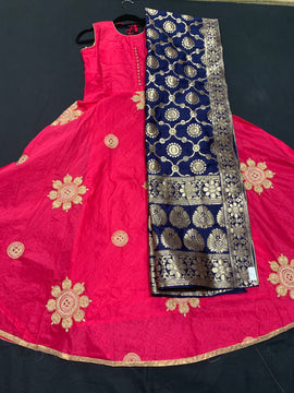 Pink color dress with Navy Blue color Banaras Dupatta and Legging
