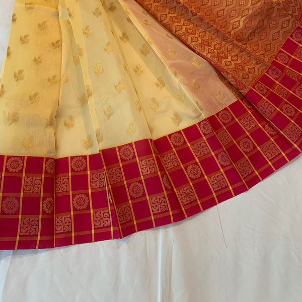 Kuppadam silk Venillaand pink color Handloom silk saree with Big border contrast pallu blouse.