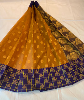 Kuppadam silk Ginger and purple color Handloom silk saree with Big border contrast pallu blouse.