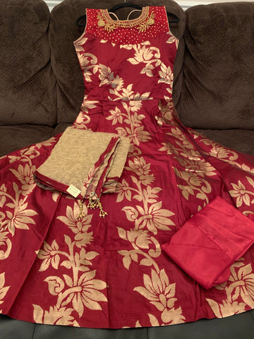 Maroon color Banaras dress with Gold color Designer Dupatta and Lycra Legging