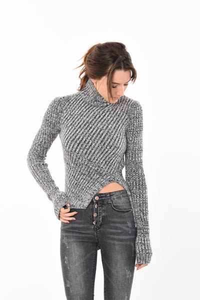 Tight fit Turtle Neck in Grey