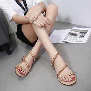 Flat summer simple clip-toe holiday sandals for women