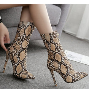 Large size serpentine pointed lace-up middle boot female boots