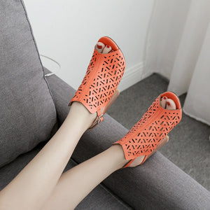 Hollow laser wood grain thick heel high heel sandals