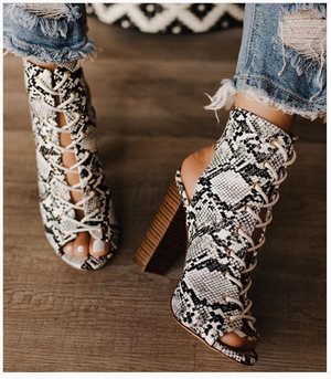 Web celebrity block-heel lace-up gladiator sandals