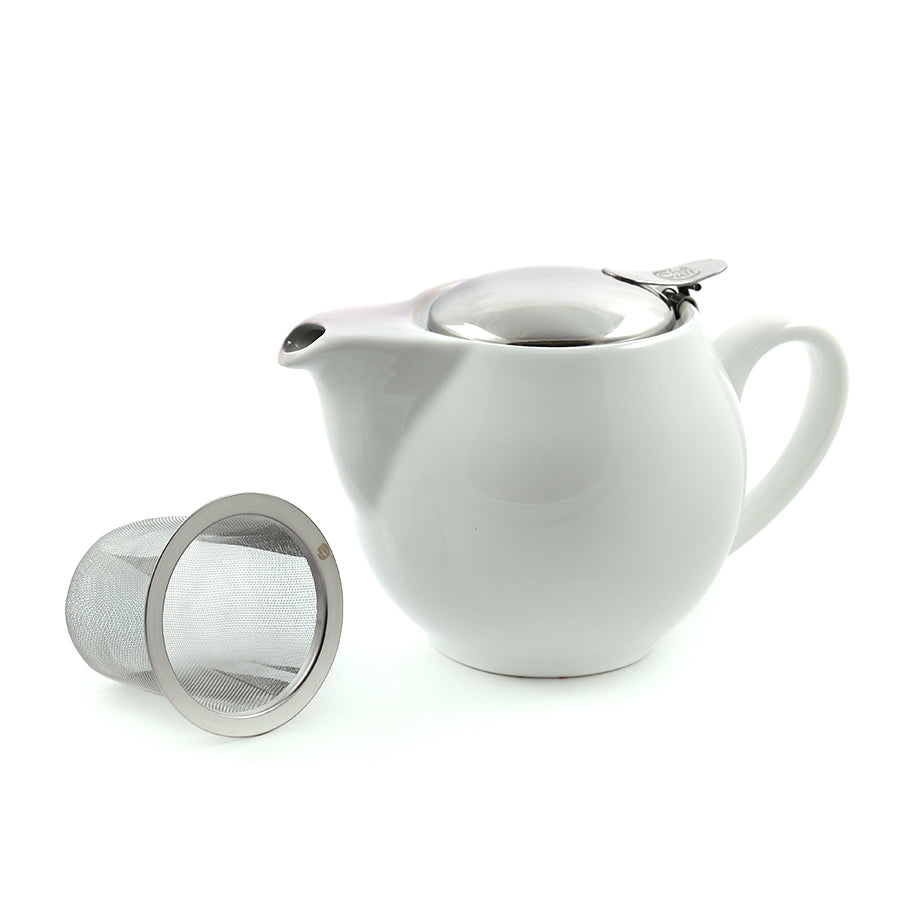 White loose leaf tea pot with infuser