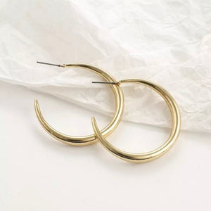 Minimalist Gold Hoop Earrings