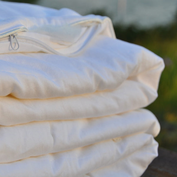 Natural SIlk filled Duvet in organic cotton case