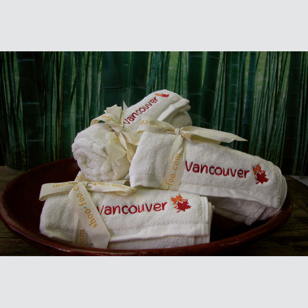 Vancouver Souvenir Bamboo Yoga/Sport Towel Bamboo Bath Linens 1 Towel - SHOO-FOO, the softness of bamboo