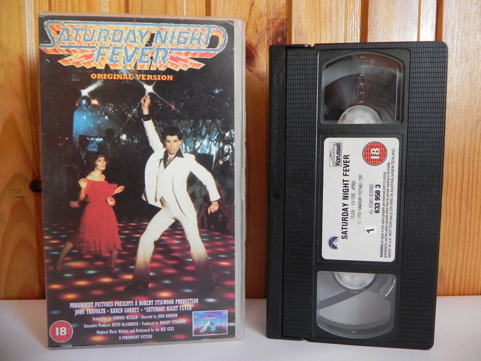 Saturday Night Fever (1977); Original Version - Musical - Disco - John Travolta - Pal VHS