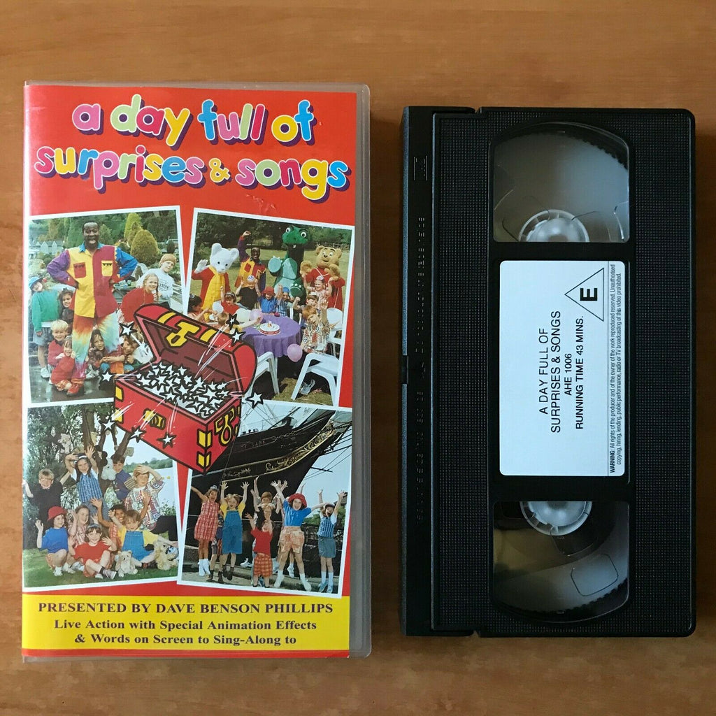 A Day Full Of Suprises & Songs; [Dave Benson Phillips] Educational - Kids - VHS