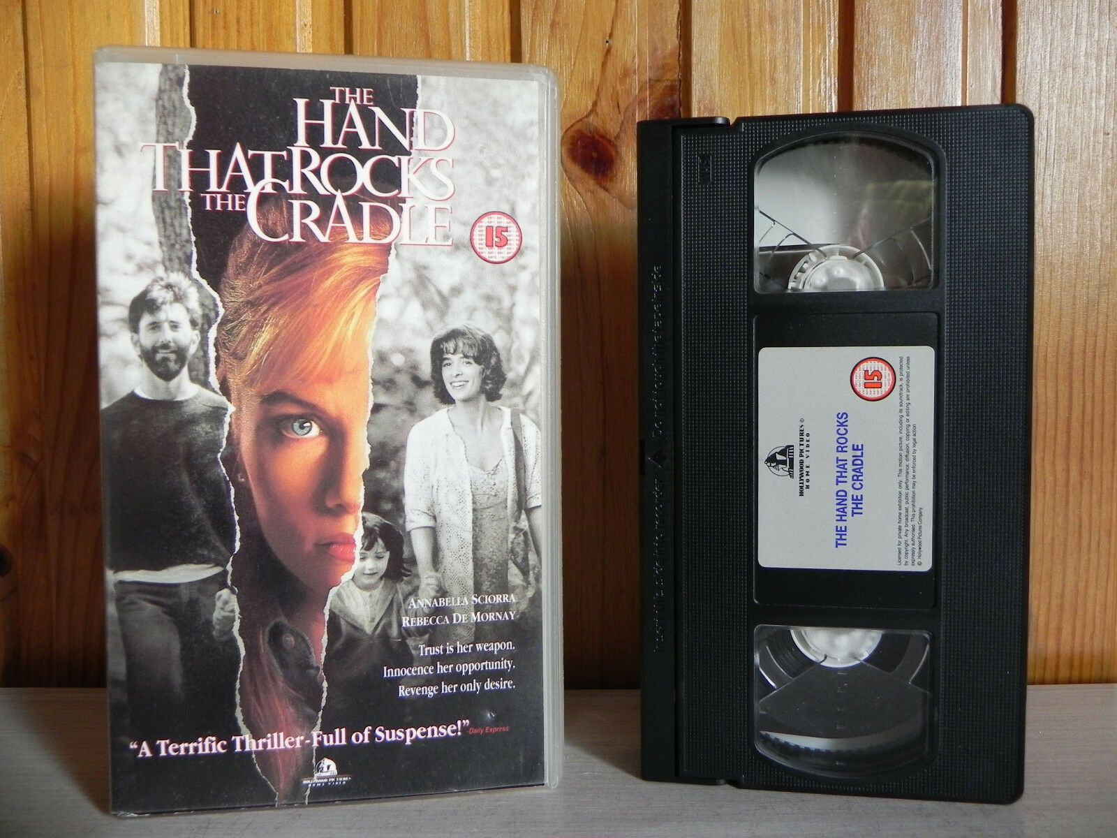 The Hand That Rocks The Cradle - Hollywood Pictures - Thriller - Suspense - VHS