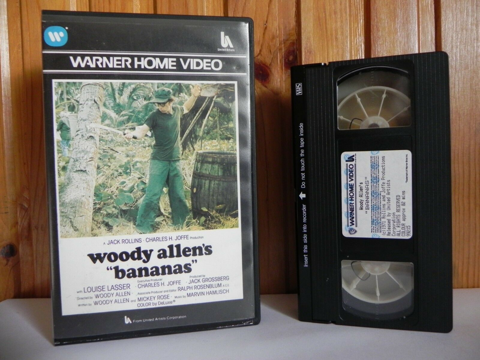 Bananas - Large Box - Warner - Pre-Cert - Comedy - Woody Allen (1979) - Pal VHS