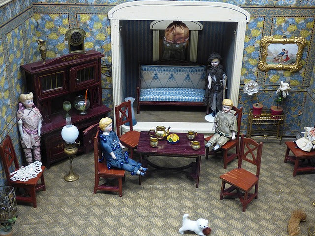 The Miniature Doll House Fascination