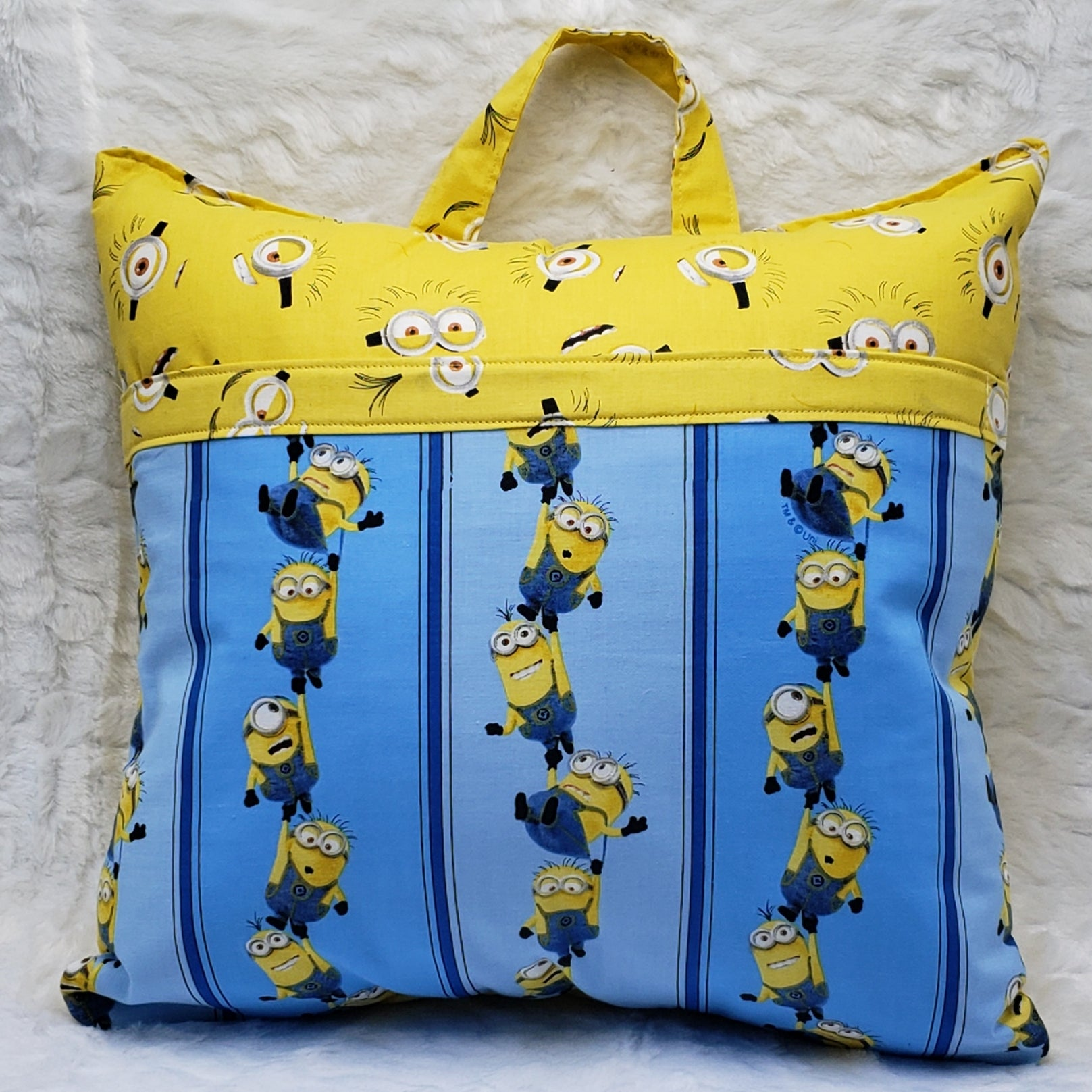 Minions Reading Pillow