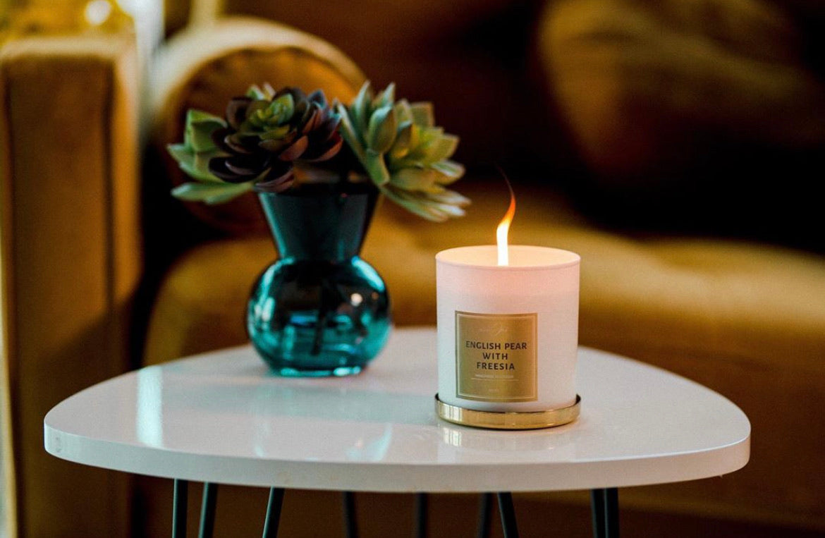 Madam Ori English Pear with Freesia Candle