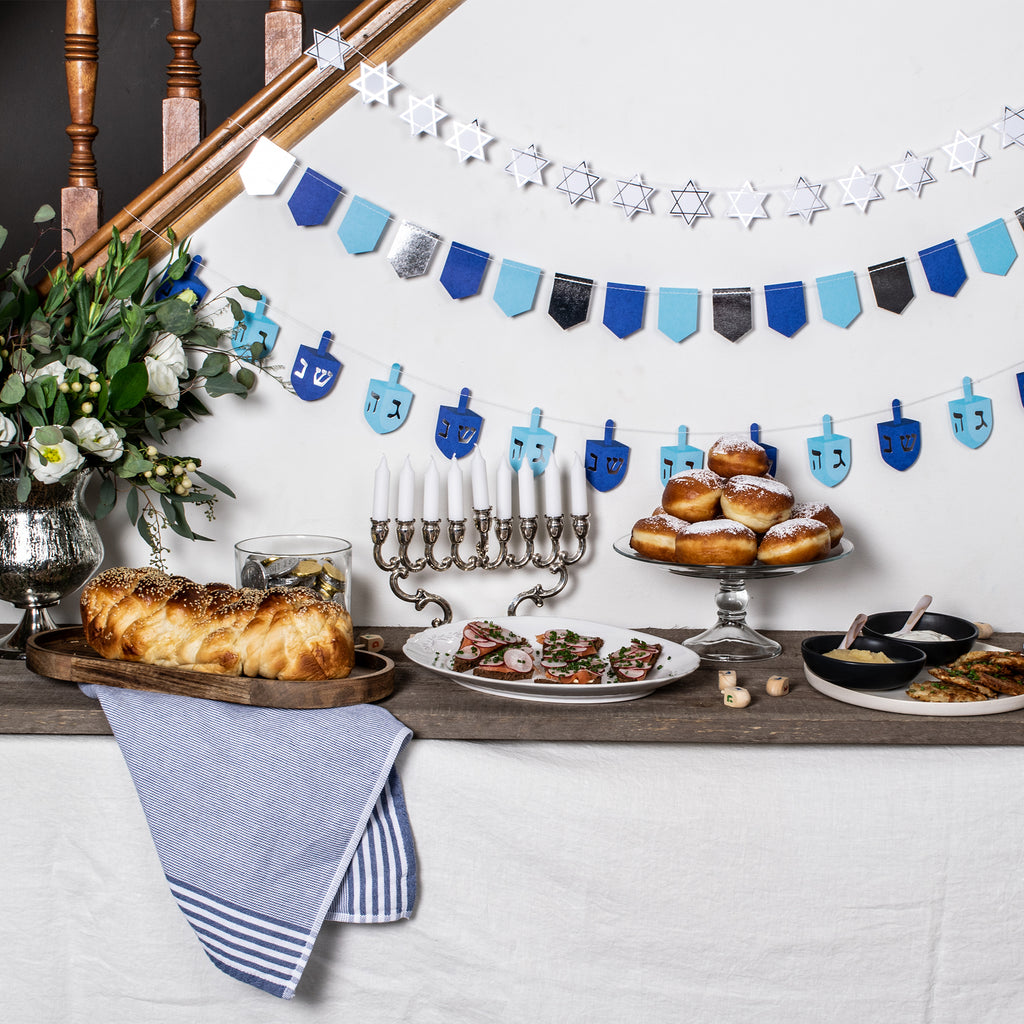 Party et Cie - Hanukkah Gathering