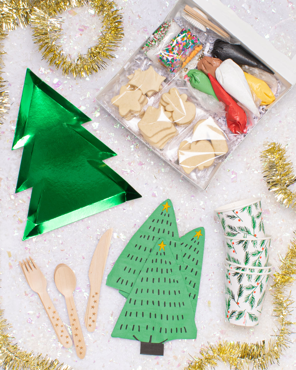 DECORATE A COOKIE-CHRISTMAS-TREE PARTY KIT FOR 4